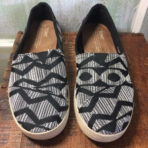 Toms Black and white canvas loafers 8